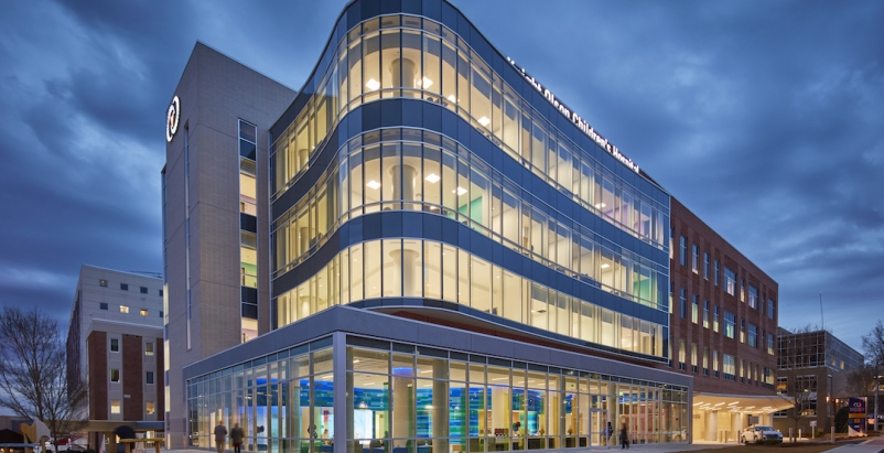 Beverly Knight Olson Children's Hospital, 2019 Healthcare Giants Report, 2019 Giants 300 Report, Robins Morton Mount Sinai Photo 3_Beverly Knight Olson Children's Hospital exterior_Robins & Morton