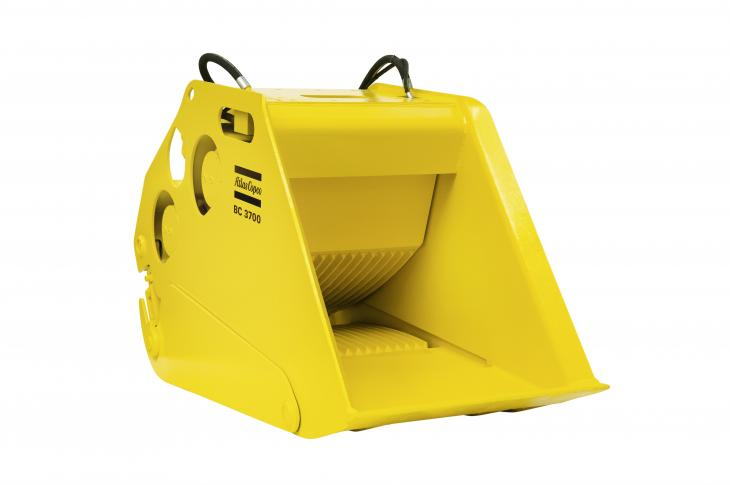 Atlas Copco BC 2500, BC 3700 Bucket Crushers are an Alternative to Mobile Jaw Crushers