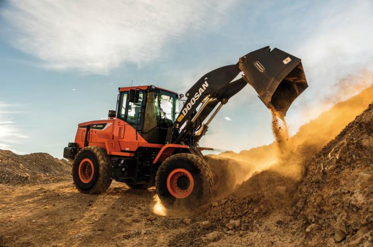 Doosan DL280-5 wheel loader fills a gap between the company's 250 and 300 models, and has a 3.7-cubic-yard bucket.