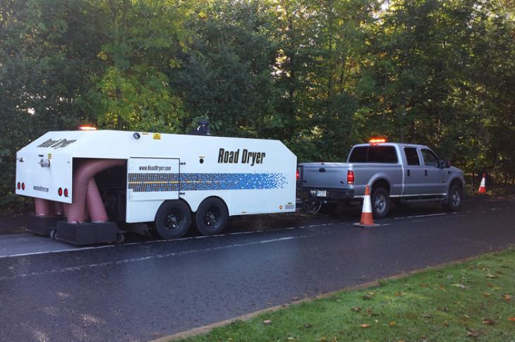 The RD-1200XT pavement-drying unit dries asphalt and concrete pavement