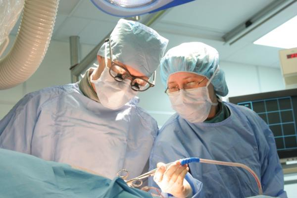 SAVR, surgical aortic valve replacement, elderly patients, aortic stenosis, Society of Thoracic Surgeons, clinical study