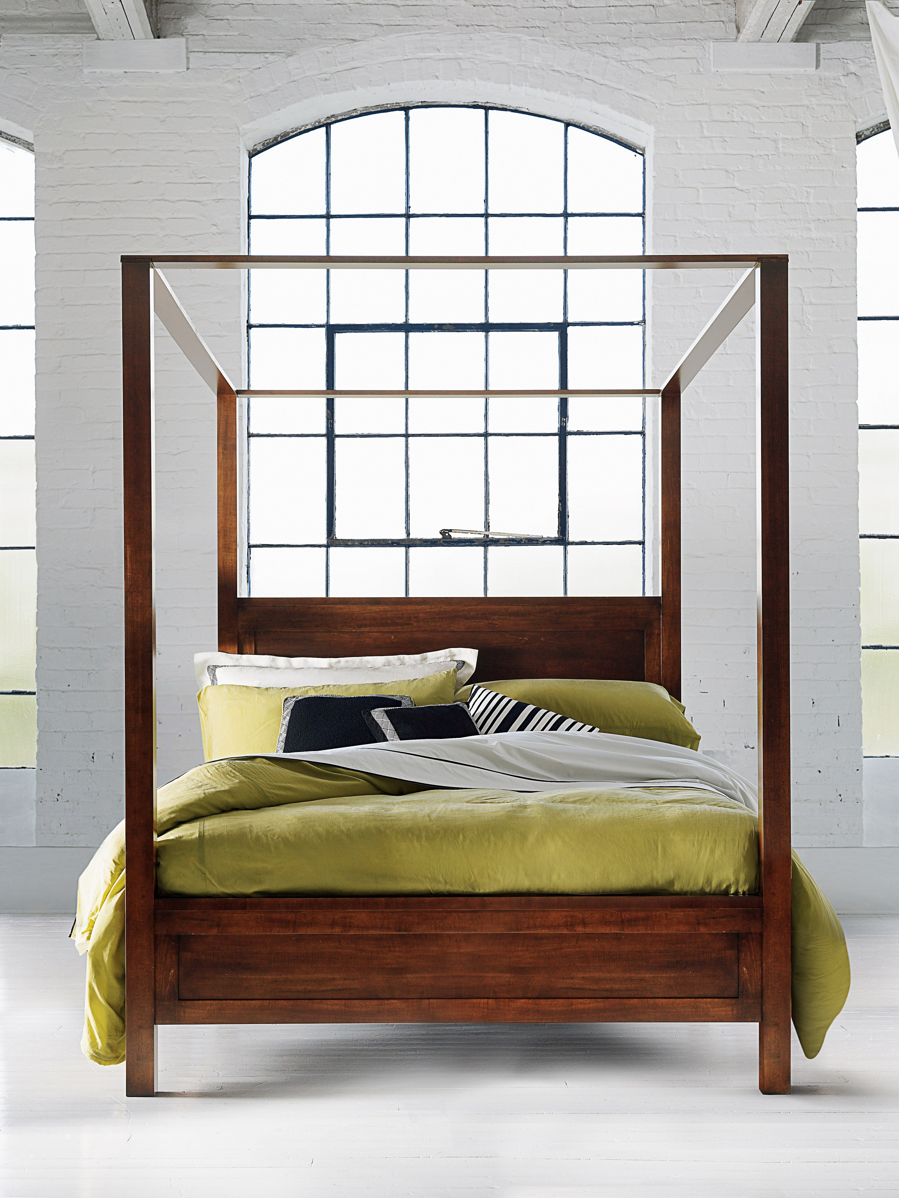 Durham Furniture Poster bed